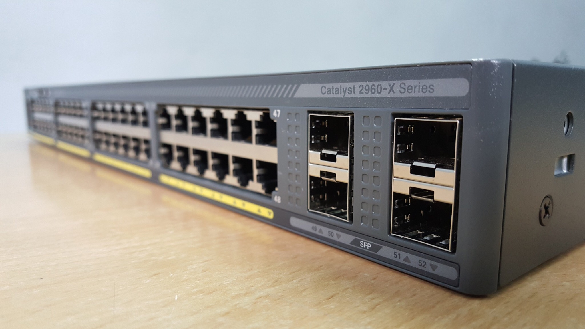 Giá phân phối Switch Cisco Catalyst 2960X 2960XR 24, 48 ports gigabit PoE